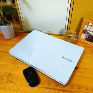 SSD128Gでcore3の高性能PC★ 綺麗な光沢パールホワイ...