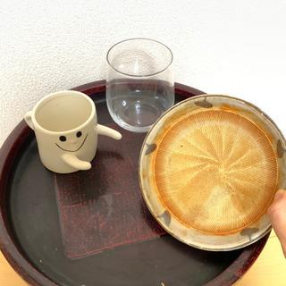 立派なお盆・ゴマすり鉢・コップちゃん・グラス