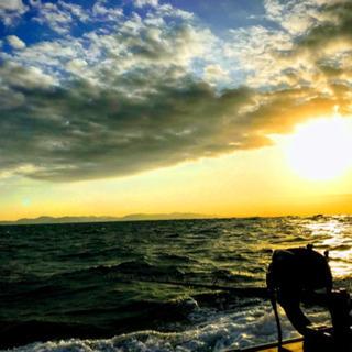 船の上で海と釣りを楽しみませんか?