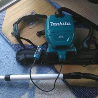maketa(マキタ)の充電式背負クリーナー(VC260D)