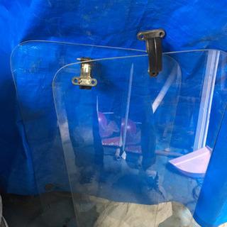 ジムニーja11リアサイドガラス