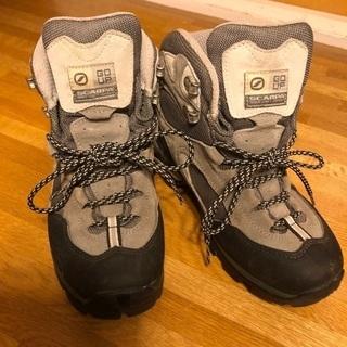 登山靴 24cm