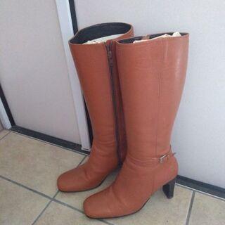 INED ブーツ Mサイズ