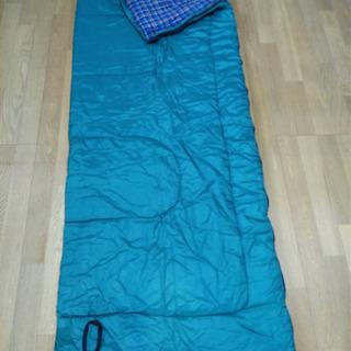 キャンプ用寝袋4つセット(受け渡し者決定) - 家具