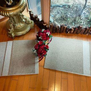高級なじゅうたん正方形2枚になりました+残り キレイ