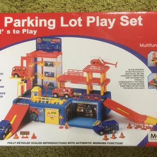 (値下げ)組み立て式 海外のミニカー向け駐車場セット(未使用)一...