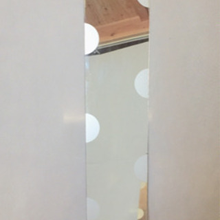 used 枠なし・白い水玉模様のミラー
