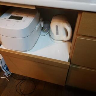 日程調整中。多数のコメントありがとうございます。食器棚 - 家電