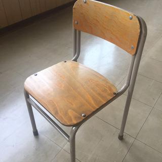 学習塾の椅子の画像