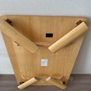 折れ脚テーブルの画像