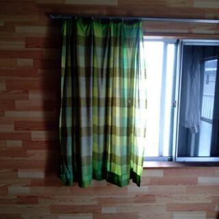 カーテン腰窓