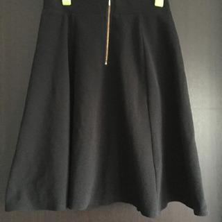 スカート 黒 Mサイズ 未使用 御子様でも着用可能です