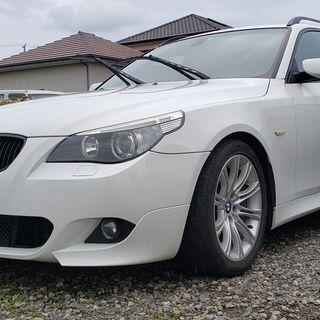 BMW525i ツーリング Mスポーツ ホワイト