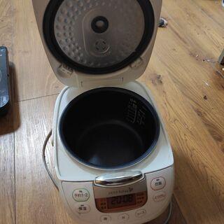 ヤマダ電機オリジナル 炊飯器 (5.5合)