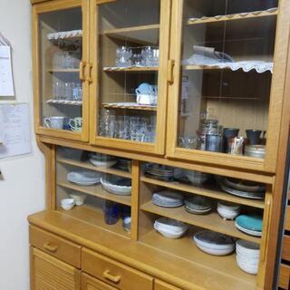 食器棚(中の食器は含まれません)