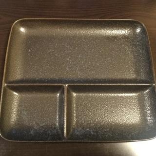 皿 プレート 中古品です