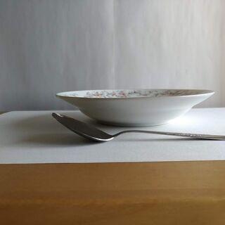 新品 カレー皿 5枚 スプーン5本付 金縁花柄 未使用 − 大阪府