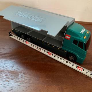 トミカ キャリアカー トラック 大型トラック トレーラー 積載車