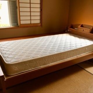 ほぼ新品シングルベッド差し上げます