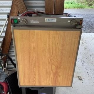 Electroluxの3way冷蔵庫、キャンピングカー用