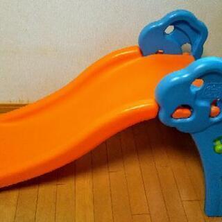 幼児用の滑り台 室内使用