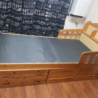 シングルベッド  収納いっばいの画像