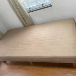 脚付きマットレスベッド シングルベッド