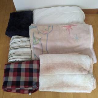 生活用品、雑貨、小物、服、バッグなど