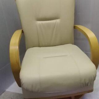 ニトリ キャスター付き回転座椅子 ① OS DY B-123 2...