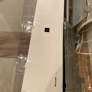 SHARP2018年製ルームエアコン2台あります。室外機も…