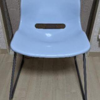 綺麗な状態 IKEA椅子 SNILLE ビジターチェア  水色