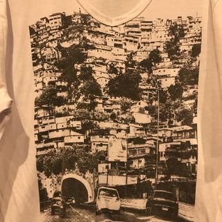 海外っぽい街並みTシャツ
