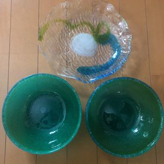 琉球ガラスと白のお皿