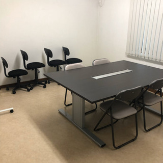 事務机(会議机)2台+事務椅子2脚