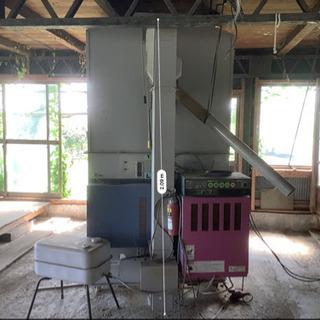 お米乾燥機 倉庫の中 綺麗な状態 昨年まで使ってました
