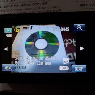 デジタルカメラFINEPIX Z300中古