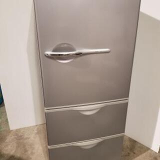 取引中☆サンヨー3ドア冷蔵庫2010年製シルバー☆