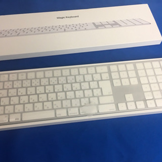 新品同様のApple製 10key 付きMagic Keybord