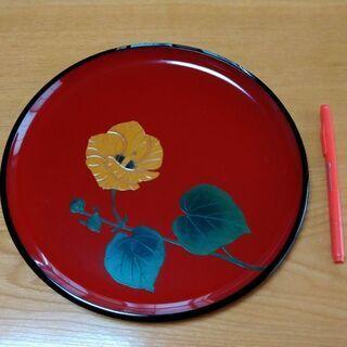 琉球漆器のお盆。室内装飾にも。