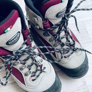 ザンバランZamberlan レディース登山靴 (普段23cmく...
