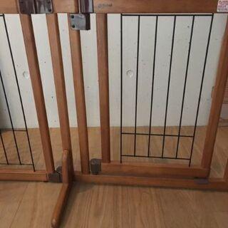ペットゲート リッチェル 木製おくだけドア付きゲート S - 京都市