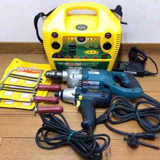 【お引き取り先が決まりました】電動工具2本とバッテリー、糸ノコギ...