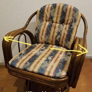 藤の回転椅子