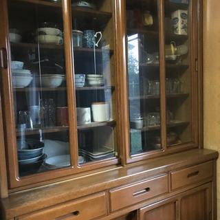 【期間限定無料】しっかりとした食器棚