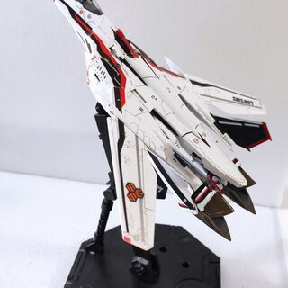バンダイ VF-25F メサイアバルキリー アルト機 組立済み