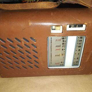 【ネット決済・配送可】ナショナル高級電池管ポータブル真空管ラジオ