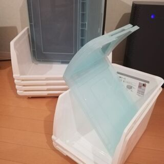 ニトリプラスチックケース