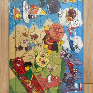 アンパンマンと魚、動物、果物などのパズル