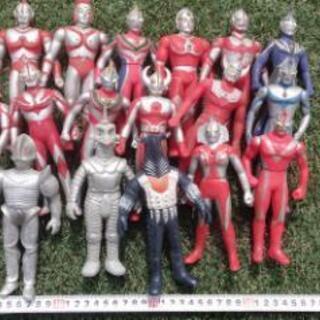 ウルトラマンシリーズ人形17体セット!ジャンク扱い