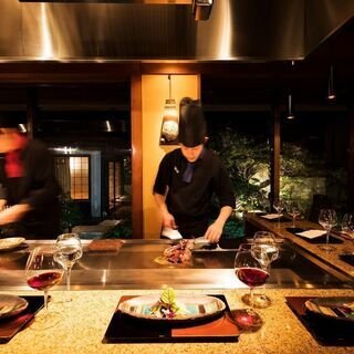 【日曜定休・正社員】リゾート地での調理スタッフ(鉄板焼・料理)